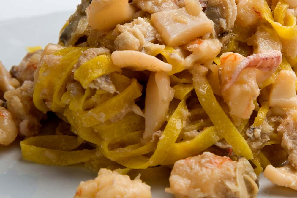 Ricetta pasta al pesce in bianco